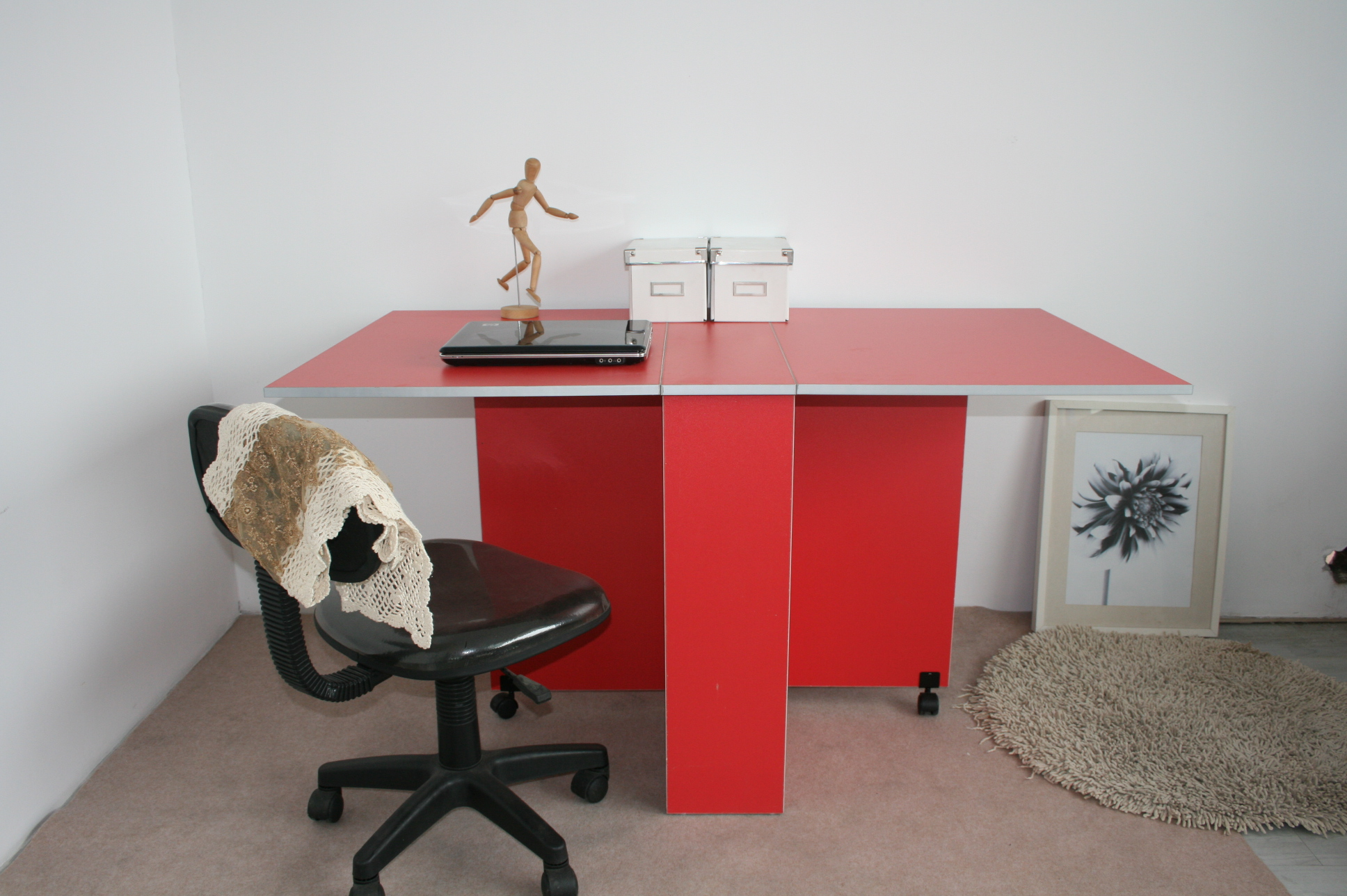 t-113-folding-table-red